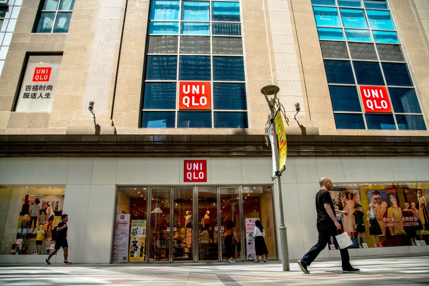 In the fiscal year of 2016,  the global sales of UNIQLO was
